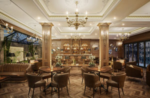 thi cong nha hang khach san 300x196 - Tư vấn kiến trúc: cách chọn đèn chiếu sáng cho phòng khách